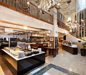 En restaurang eller annat matställe på Holiday Club Tampere Spa