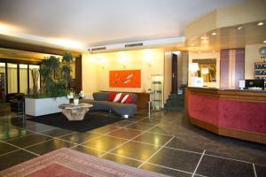 The lobby or reception area at Art Hotel Milano