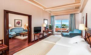 A seating area at Elba Estepona Gran Hotel & Thalasso Spa