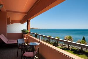 A balcony or terrace at Elba Estepona Gran Hotel & Thalasso Spa