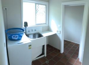 A bathroom at Endless Summer, 12 Stewart Street