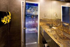 A bathroom at stays design Hotel Dortmund