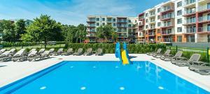 The swimming pool at or near Apartament Polanki Park