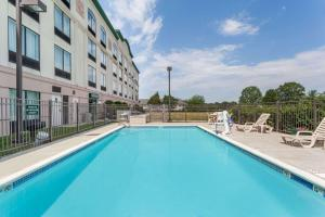The swimming pool at or near Wingate by Wyndham Vineland