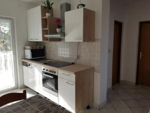 Kuhinja ili čajna kuhinja u objektu Apartments Stueckler