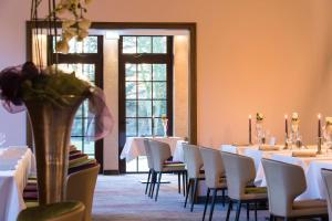 Ein Restaurant oder anderes Speiselokal in der Unterkunft IDINGSHOF Hotel & Restaurant