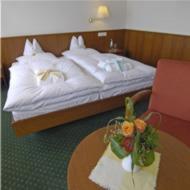 Ein Bett oder Betten in einem Zimmer der Unterkunft Hotel Café Nothnagel
