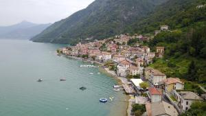 A bird's-eye view of Il Molo Di Hotel Villa Aurora