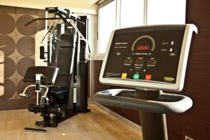 The fitness center and/or fitness facilities at Enea
