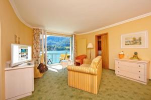 Ein Sitzbereich in der Unterkunft Hotel Seerose