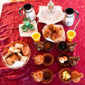 Breakfast options available to guests at La Baraka Auberge