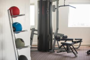 The fitness center and/or fitness facilities at H on Smith Hotel