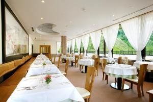 Nakao Kogen Hotel Kazagurumaにあるレストランまたは飲食店