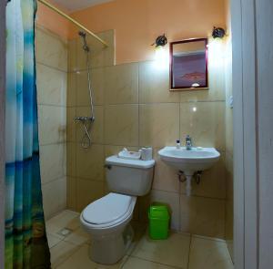 A bathroom at BR& La Casita de Nora