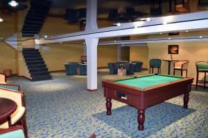 Бильярд в Hotel Le Pole Europeen