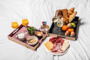 Breakfast options available to guests at Hotel Sleep-Inn Box 5