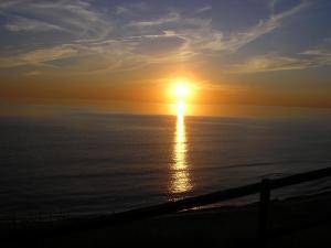 Saullēkts vai saulriets, ko var redzēt no brīvdienu mājas vai tuvumā
