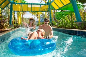 The swimming pool at or close to The Grove Resort & Water Park Orlando