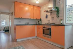 A kitchen or kitchenette at SOEPP the B&B