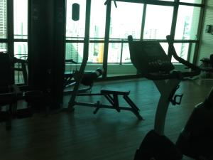 The fitness center and/or fitness facilities at Flat Beach Class