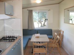 A kitchen or kitchenette at Europe Garden