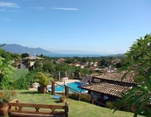 A view of the pool at Mirailha Suítes or nearby