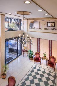 Lobby/Rezeption in der Unterkunft Jolly Hotel