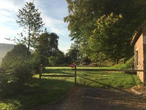 Jardin de l'établissement Gîte des Deux Chateaux