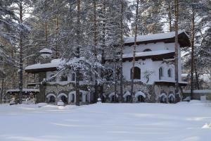 Usadba Meshcherskaya Park-Hotel зимой