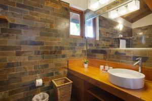 A bathroom at Casa de Campo Resort & Villas