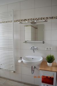 Ein Badezimmer in der Unterkunft Ferienwohnung zum Unstruttal