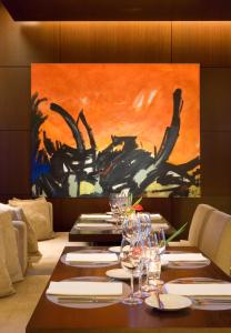A restaurant or other place to eat at Hotel Madero Buenos Aires