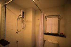 A bathroom at Napatra Hotel