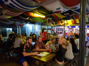 A restaurant or other place to eat at Brisbane Backpackers Resort