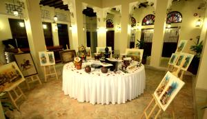 A restaurant or other place to eat at Ahmedia Heritage Guesthouse