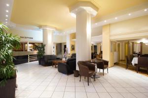 Ο χώρος του λόμπι ή της ρεσεψιόν στο Hotel Lithaion