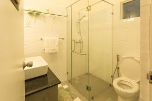 A bathroom at Shalom Residence Nawala