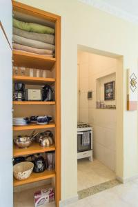A kitchen or kitchenette at Flat General