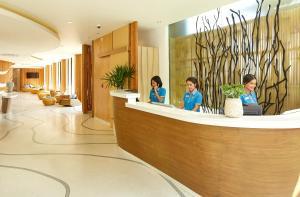 Fuajee või vastuvõtt majutusasutuses Bandara Phuket Beach Resort