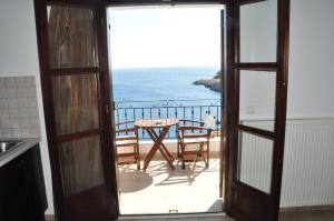 A balcony or terrace at Yalis Hotel