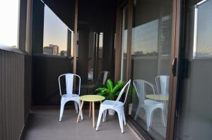 A balcony or terrace at VUEonKW