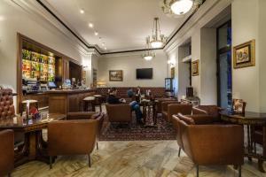 El salón o zona de bar de Capitol Hotel