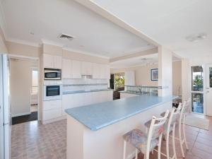 A kitchen or kitchenette at Ronald Avenue, 45, Villa Floridiana