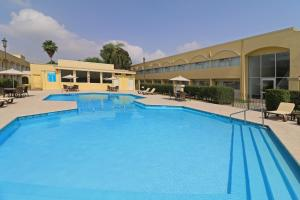The swimming pool at or near Holiday Inn Monterrey Norte, an IHG hotel