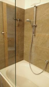 A bathroom at Seehaus - Seewirt