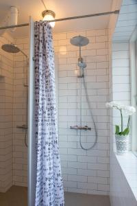 Et badeværelse på Fredensborg Vandrerhjem