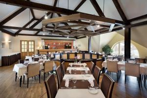 A restaurant or other place to eat at Sagadi Manor Hotel