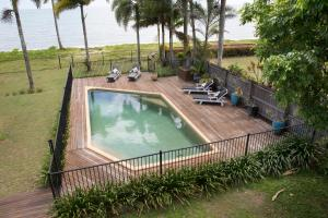 A view of the pool at ABSOLUTE BEACHFRONT BLISS @ NEWELL BEACH or nearby