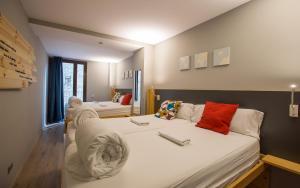 Un ou plusieurs lits dans un hébergement de l'établissement Yeah Barcelona Hostel