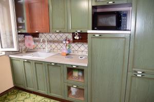 A kitchen or kitchenette at Casa Maura